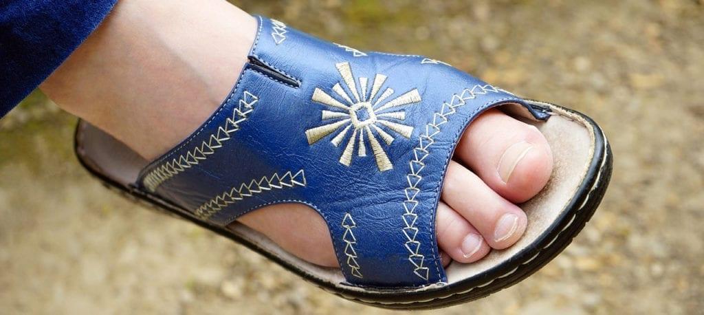El Calzado adecuado y su importancia para los pies