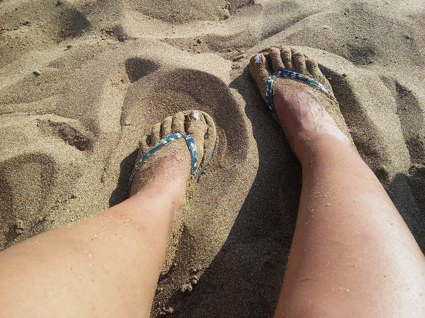 protección solar en verano para los pies