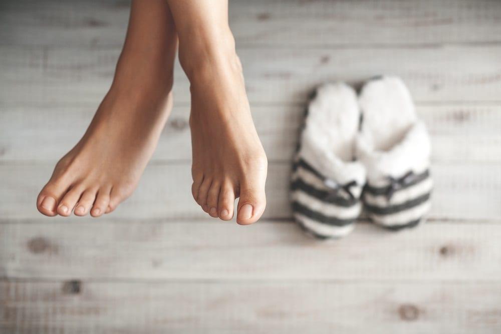 ¿Tienes los pies fríos? Te enseñamos los motivos y cómo solucionarlo.
